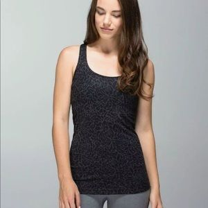 Lululemon Petal camo printed black deep coal